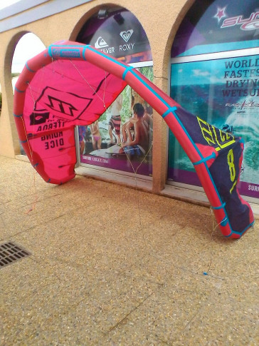 Aile North Kiteboarding DICE 8 m² 2016 d'occasion nue