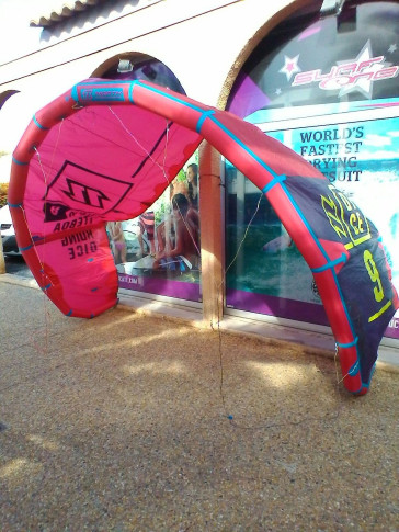 Aile North Kiteboarding Dice 9 m² 2016 d'occasion nue
