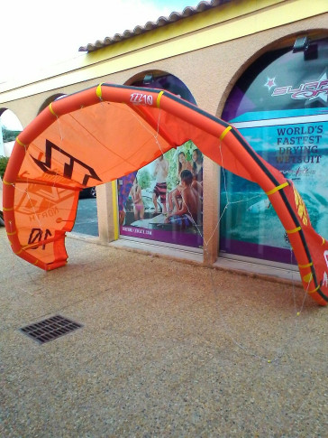 Aile North Kiteboarding EVO 10 m² 2014 d'occasion nue