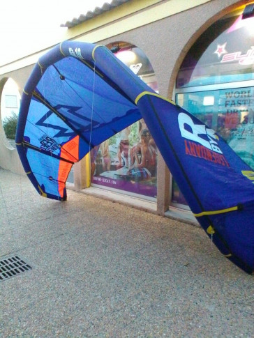 Aile North Kiteboarding REBEL 10 m² 2013 d'occasion complète