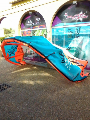 Aile North Kiteboarding REBEL 9 m² 2010 d'occasion nue