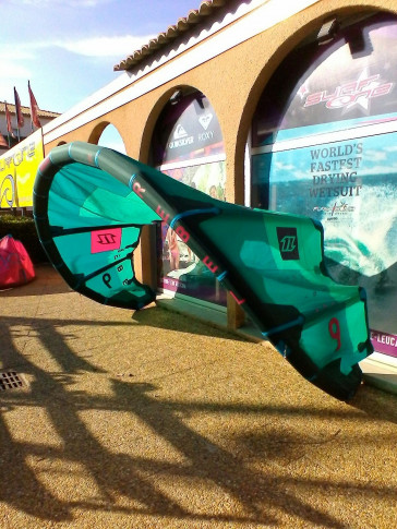 Aile North Kiteboarding REBEL 9 m² 2017 d'occasion nue