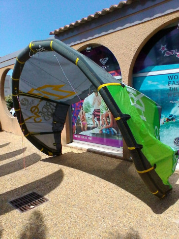 Aile North Kiteboarding EVO 10 m² 2013 d'occasion nue