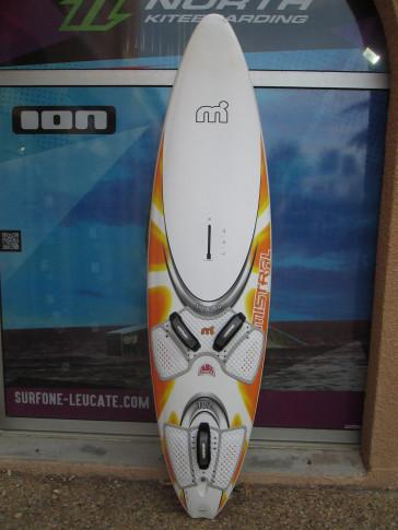planche de windsurf Mistral Syncro 102L 2006