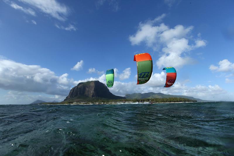 North Kiteboarding Dice 2014